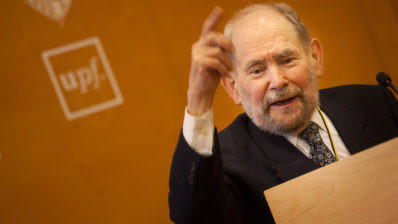 The Nobel Prize Sydney Brenner during his speech at the PRBB Auditorium. Photo by Frederic Camallonga.