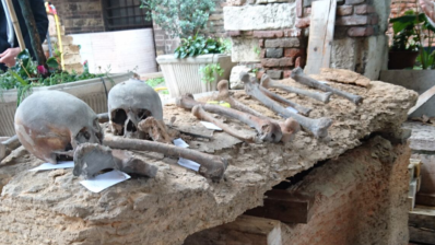In the sarcophagus found in Verona, the Templars' cross was carved. Photo of Giampero Bagni.
