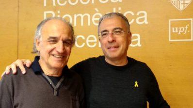 Jaume Bertranpetit y Roderic Guigó después de su charla el 19 de diciembre de 2018