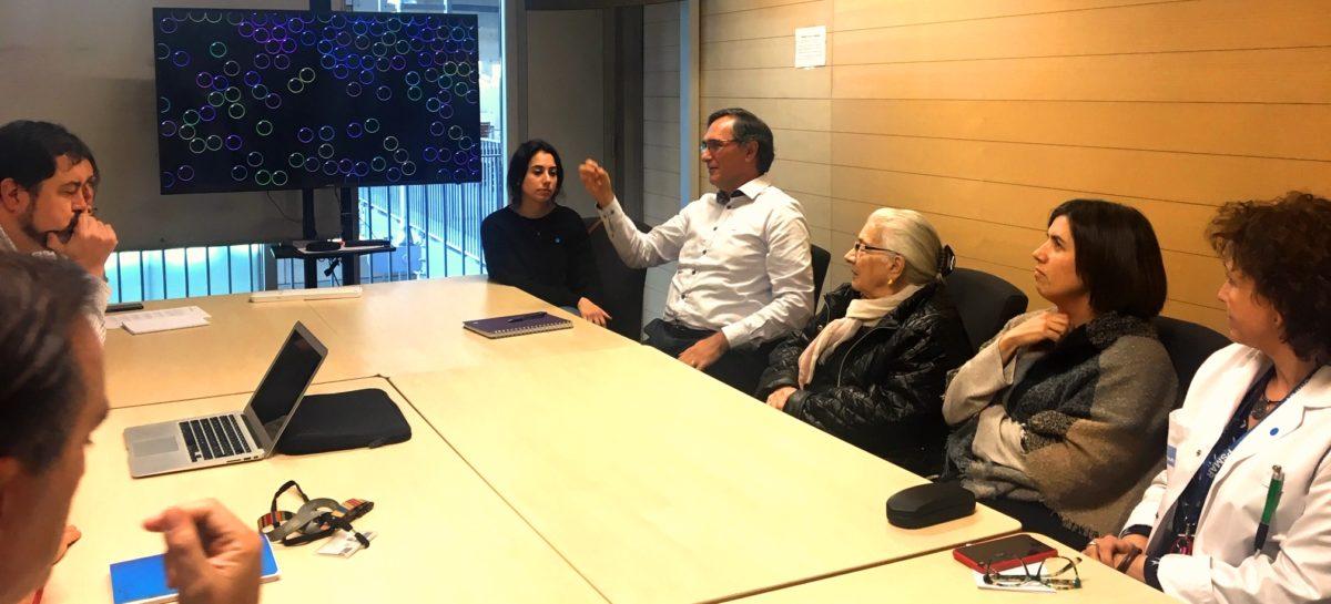 Els participants es van dividir en grups per discutir els reptes i possibilitats d'incloure més els pacients en la recerca.