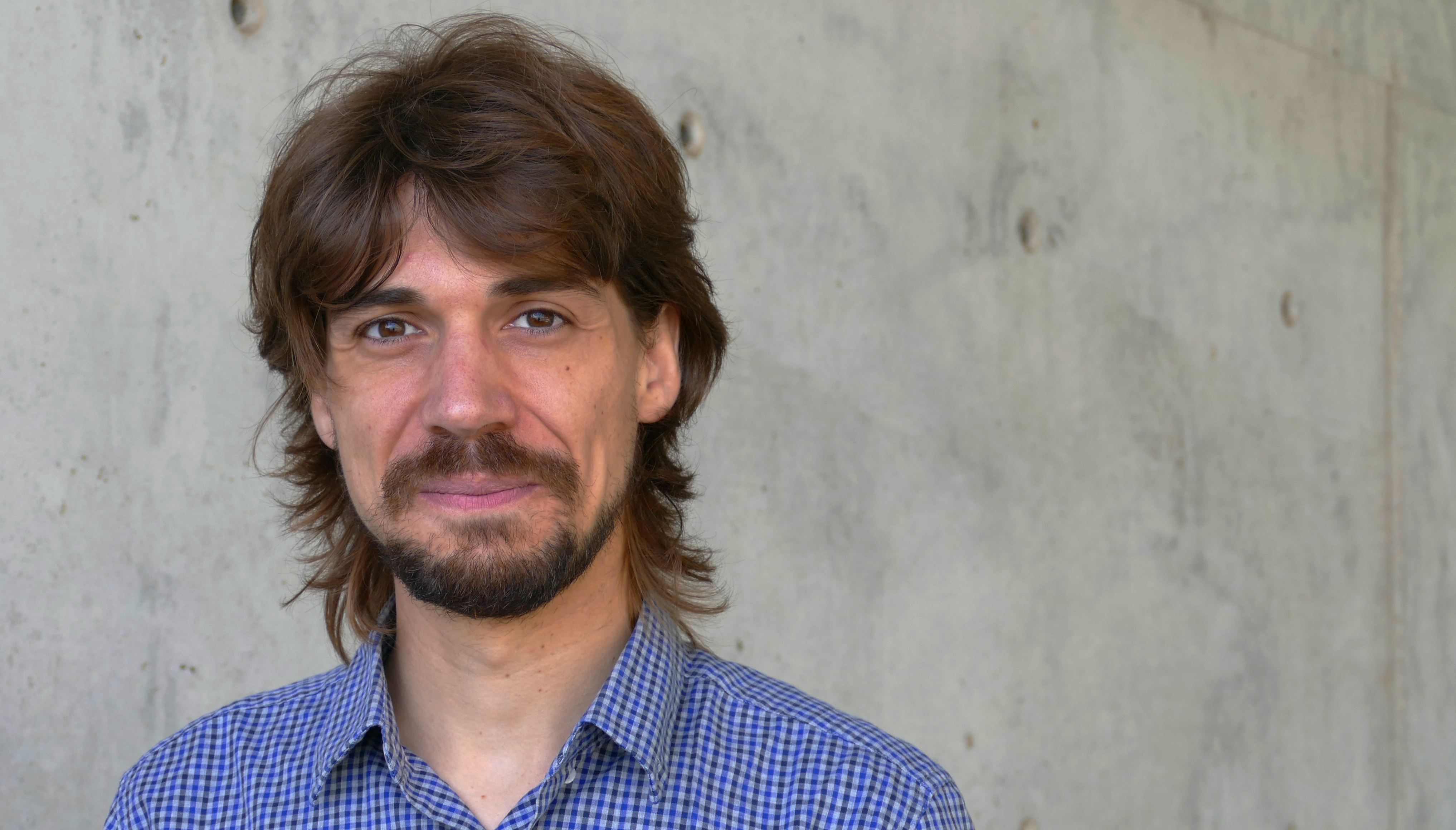 The young researcher from Olot, Marc Güell, head of the laboratory of Translational Synthetic Biology at the DCEXS-UPF in the PRBB, has been distinguished by the Catalan Foundation for Research.
