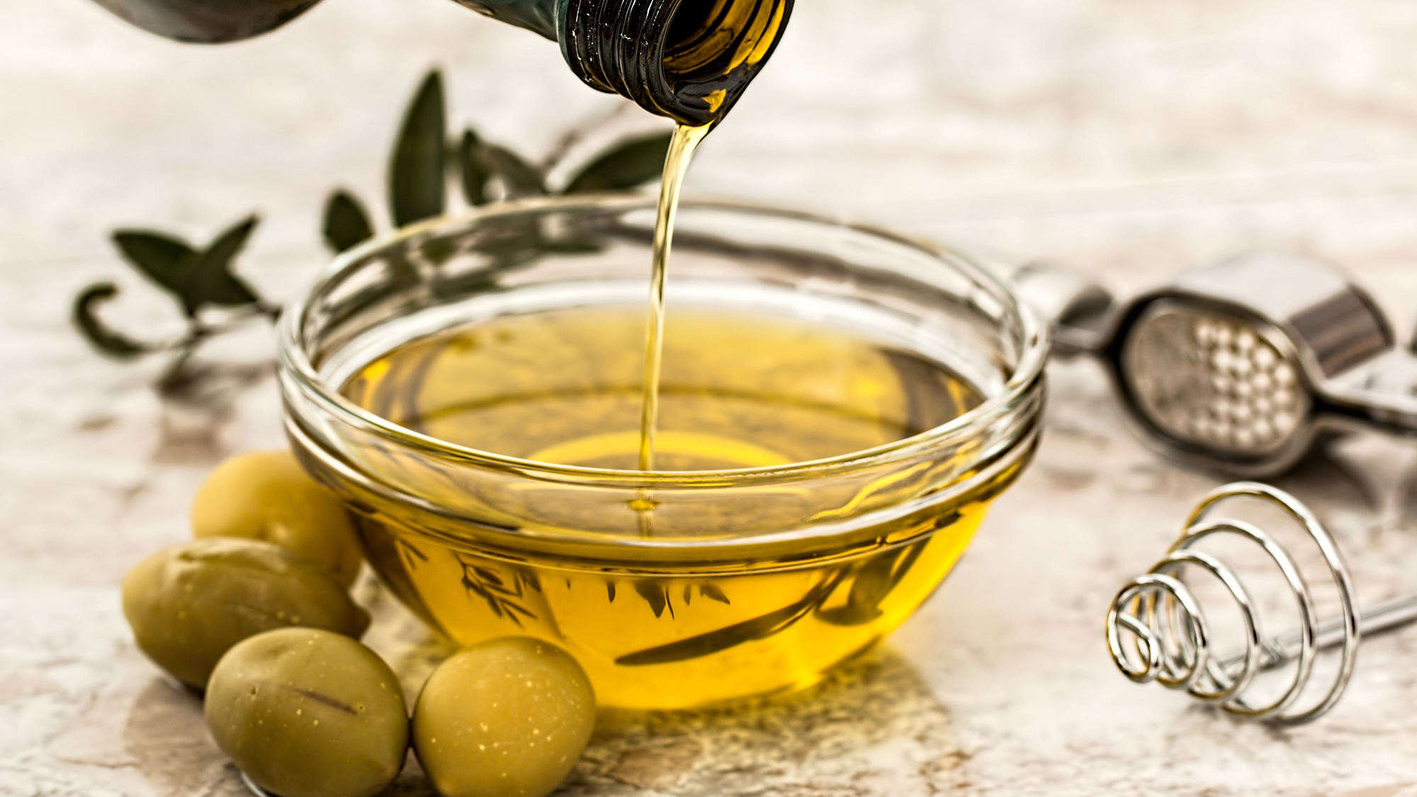 A study carried out by the IMIM confirms that the consumption of two biomolecules found in olive oil can be associated with improved endothelial function. | Picture by Pixabay from Pexels.