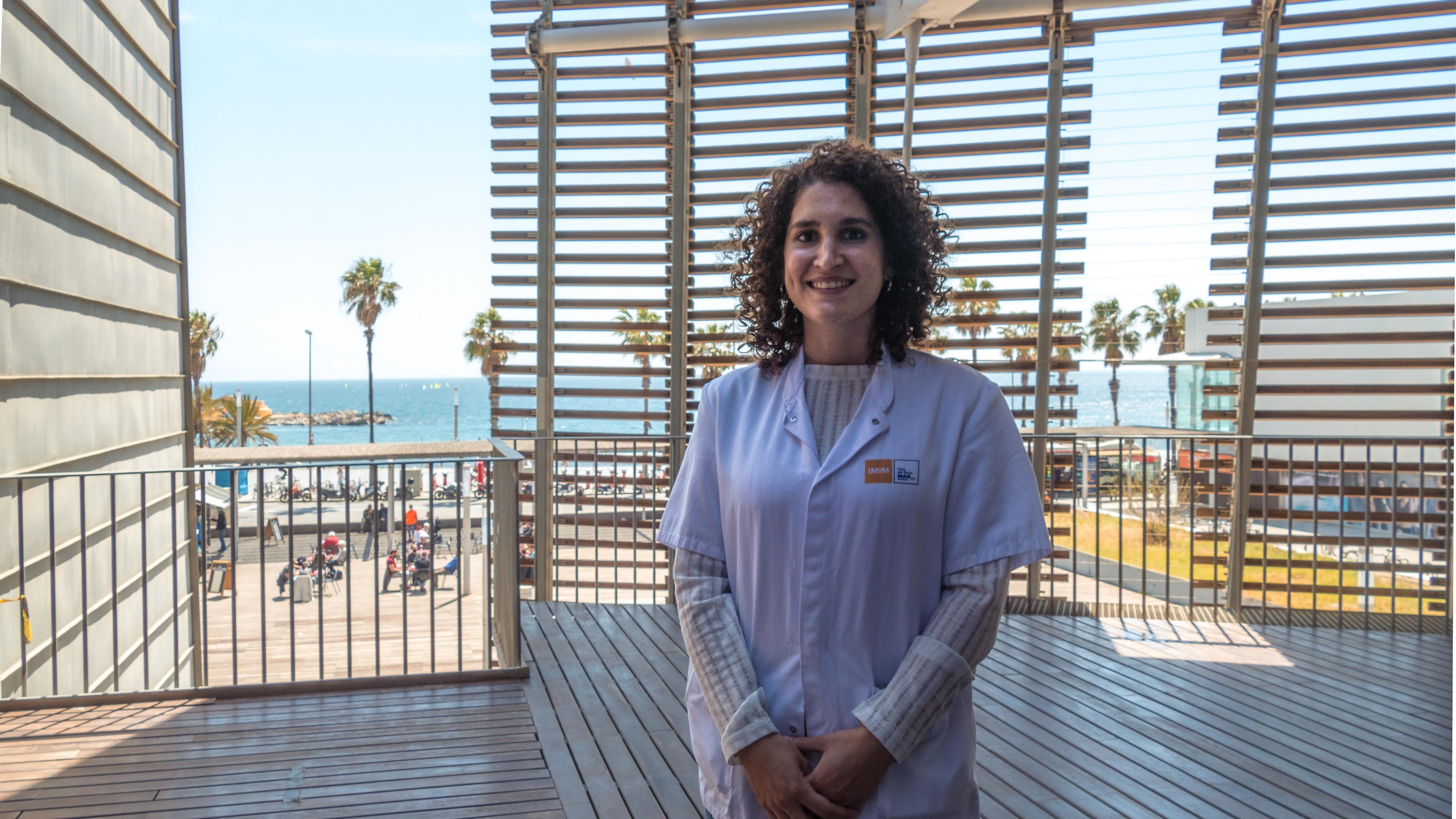 Iris L. Matilla Vaz es enfermera en la unidad de investigación clínica del IMIM, donde se realizan ensayos clínicos en fase I.
